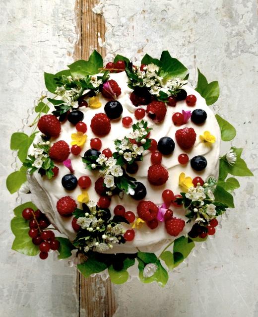 garden cake by manger
